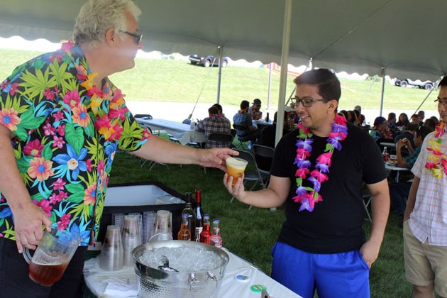 Tropical Drinks for Hawaiian Themed Picnics
