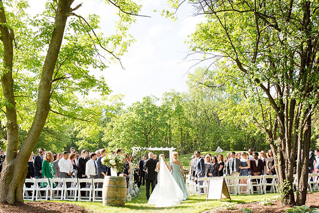 Outdoor Wedding Ceremony at Oak Brook Bath and Tennis Club