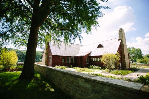 Lake Ellyn Boathouse Holiday Event Venue
